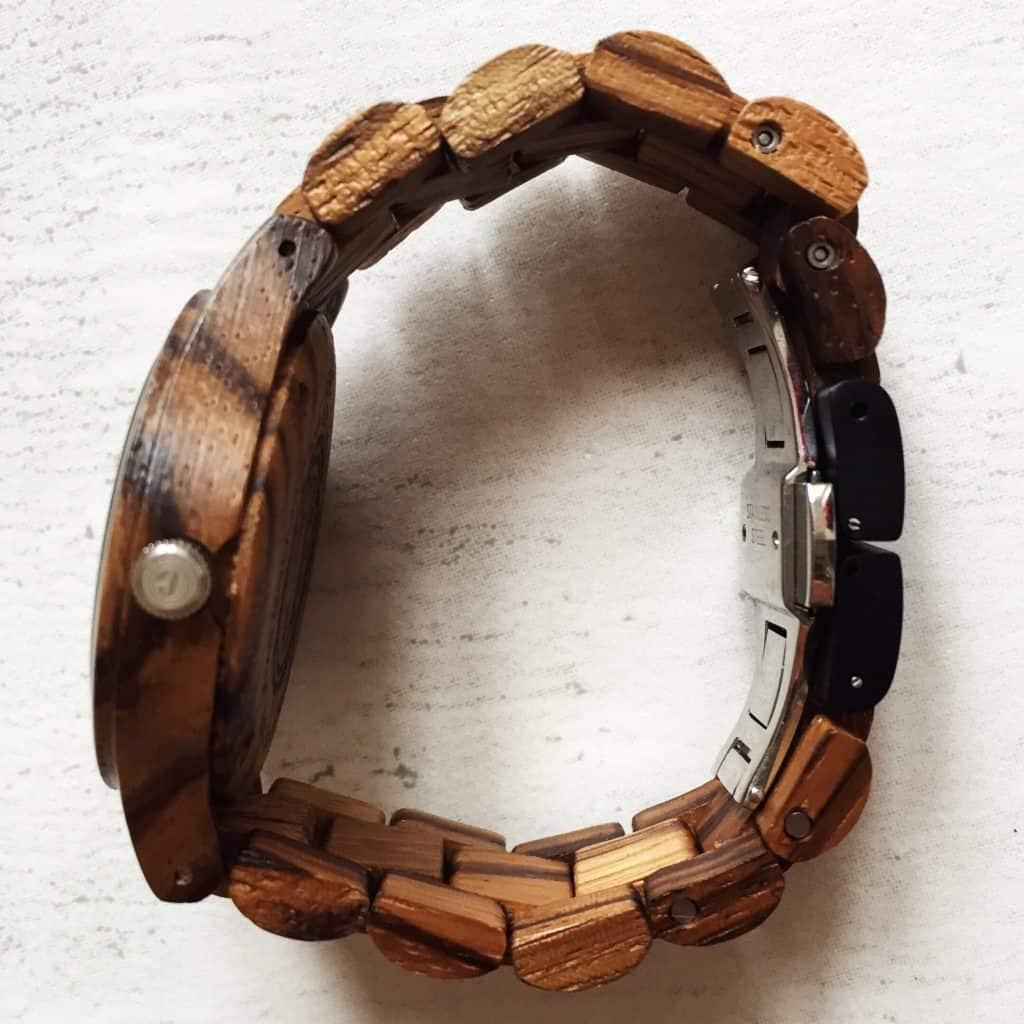 Review Wooden Wrist Watch Jord side