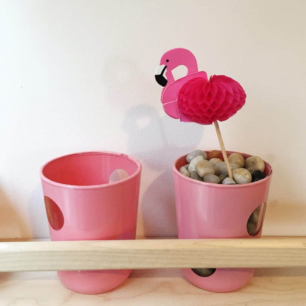 Pink glasses with a flamingo