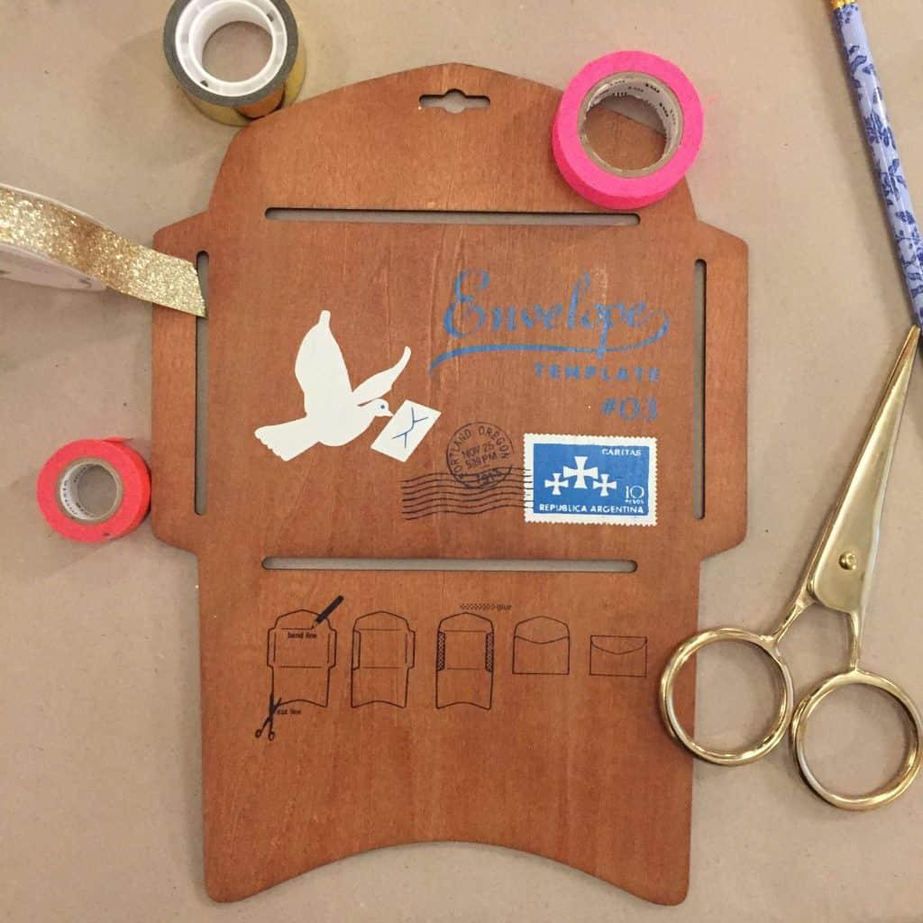 How to make an envelope at Make Wrap Mingle