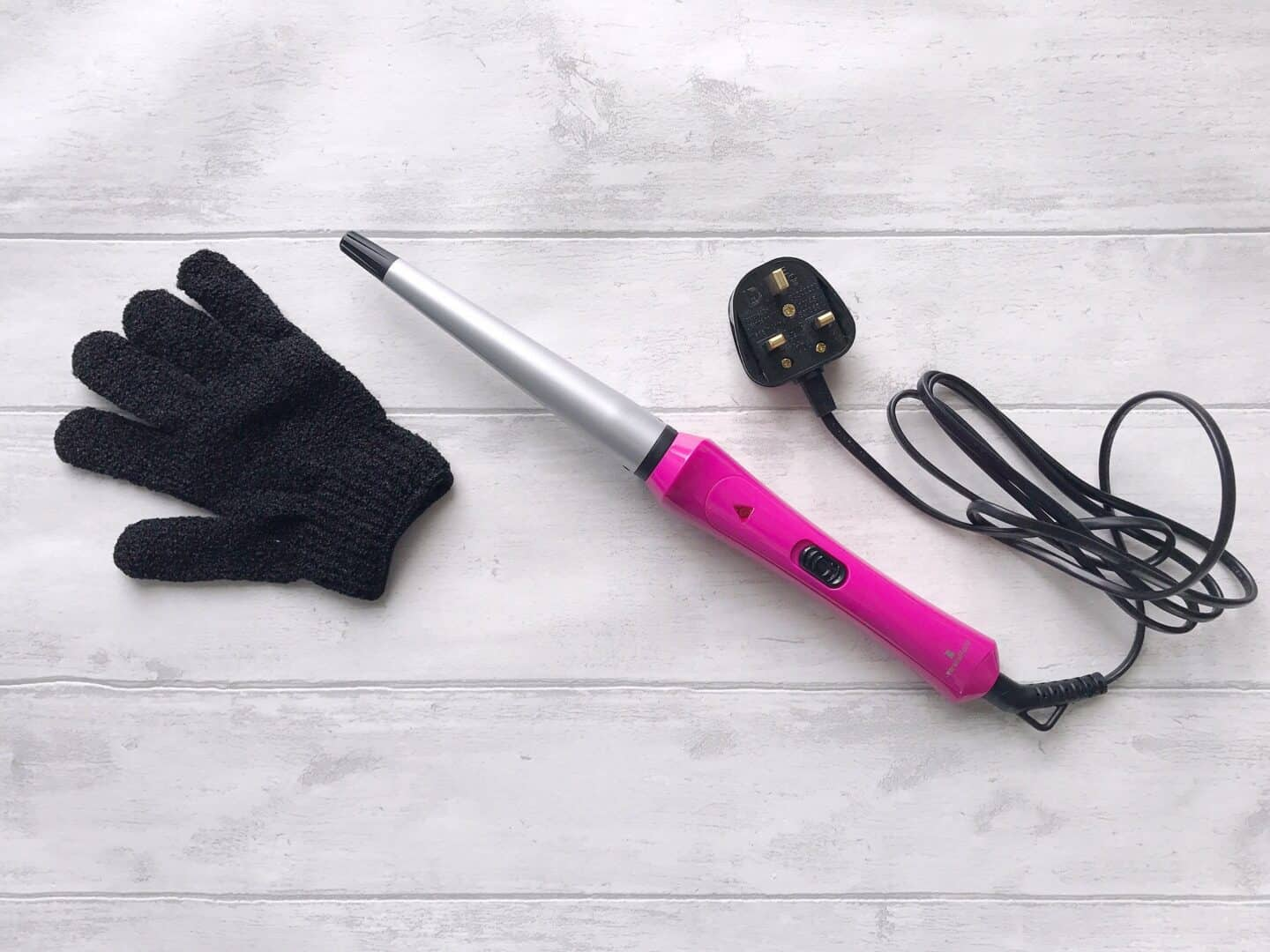 Lee Stafford Curl Your Heart Out Cone Curling Wand