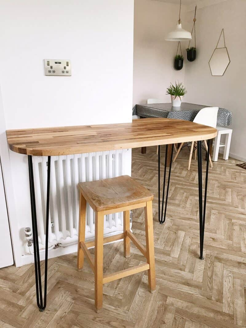 Breakfast bar with hairpin legs and herringbone floor