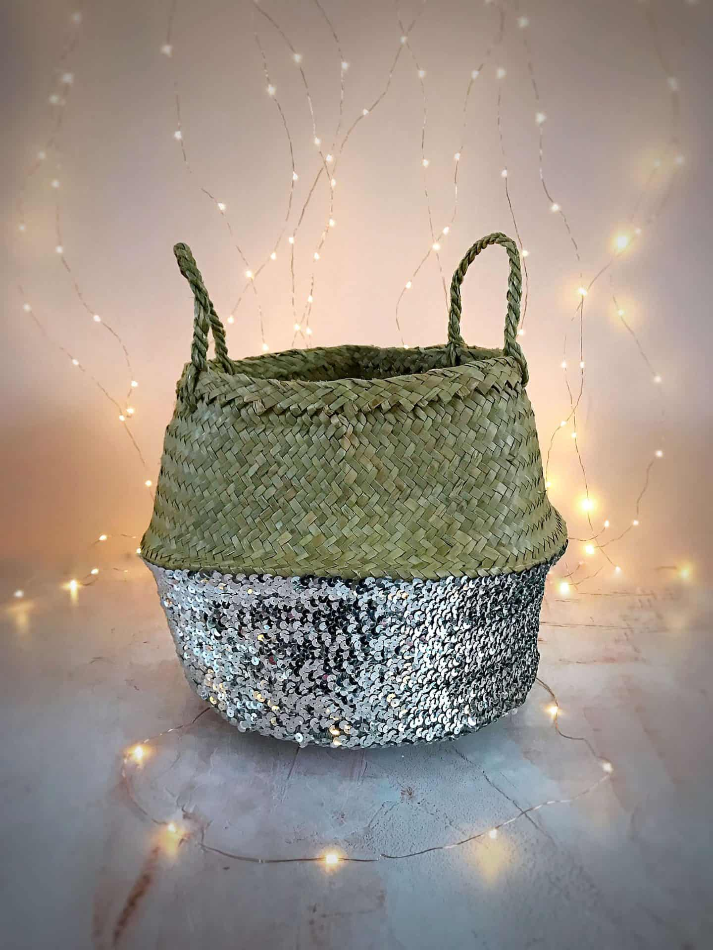 Silver sequinned belly basket