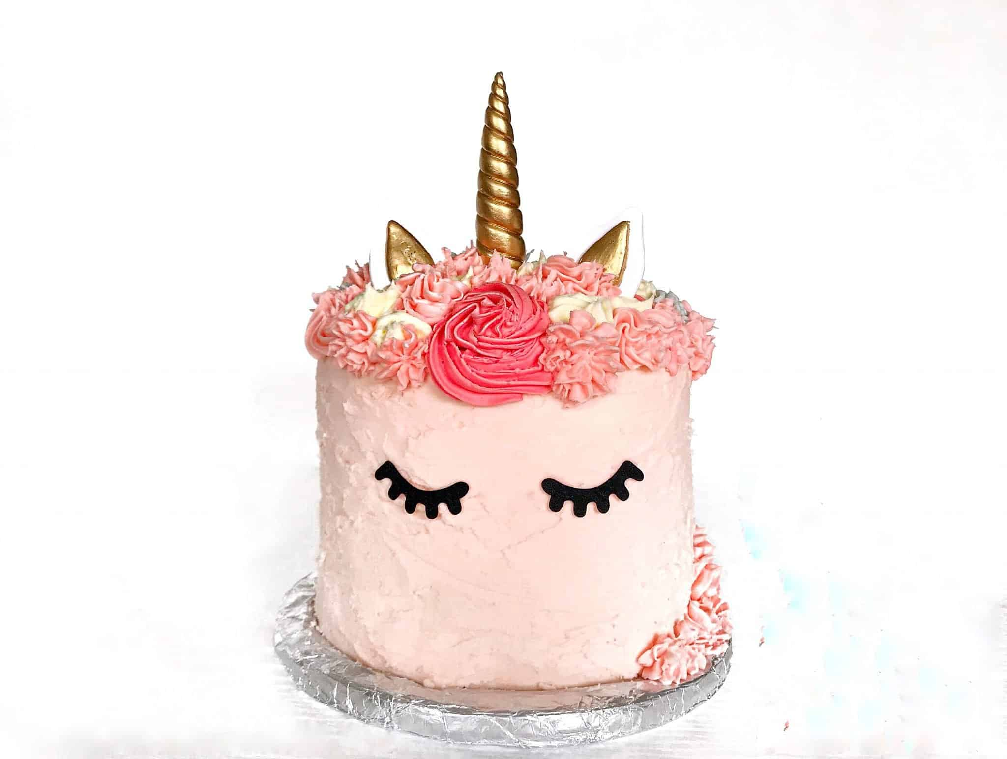 How to make a cute rainbow unicorn cake