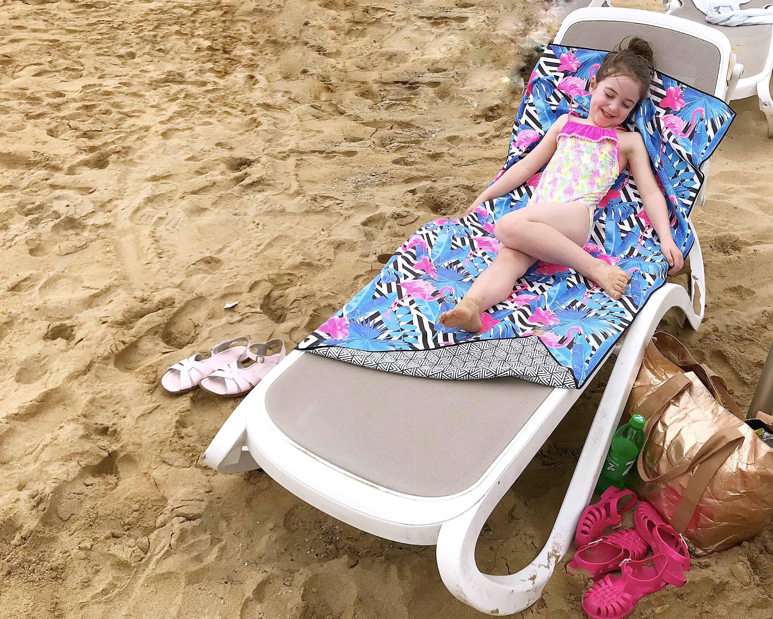 Tesalate sand-free beach towel