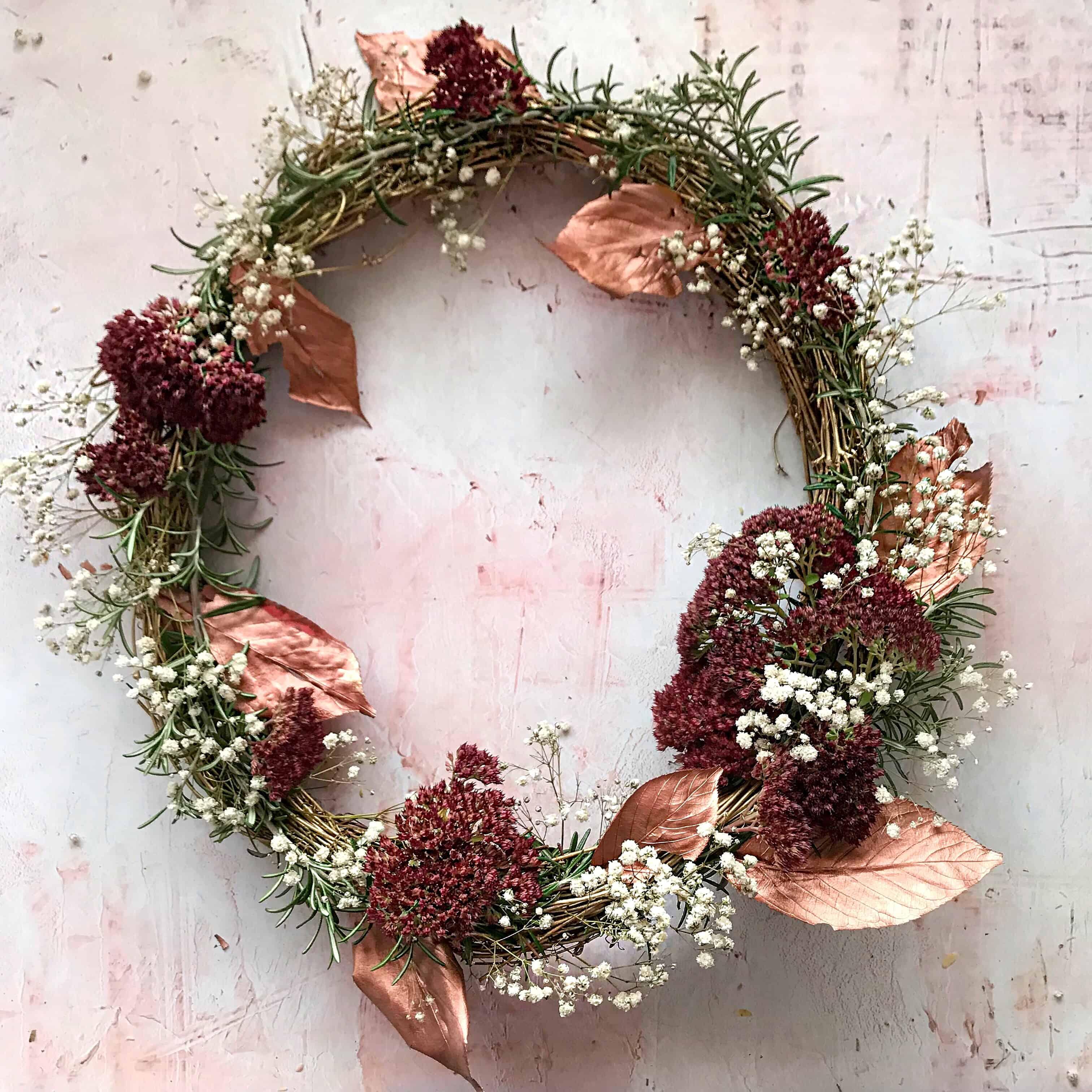 Easy Metallic Door Wreath Tutorial