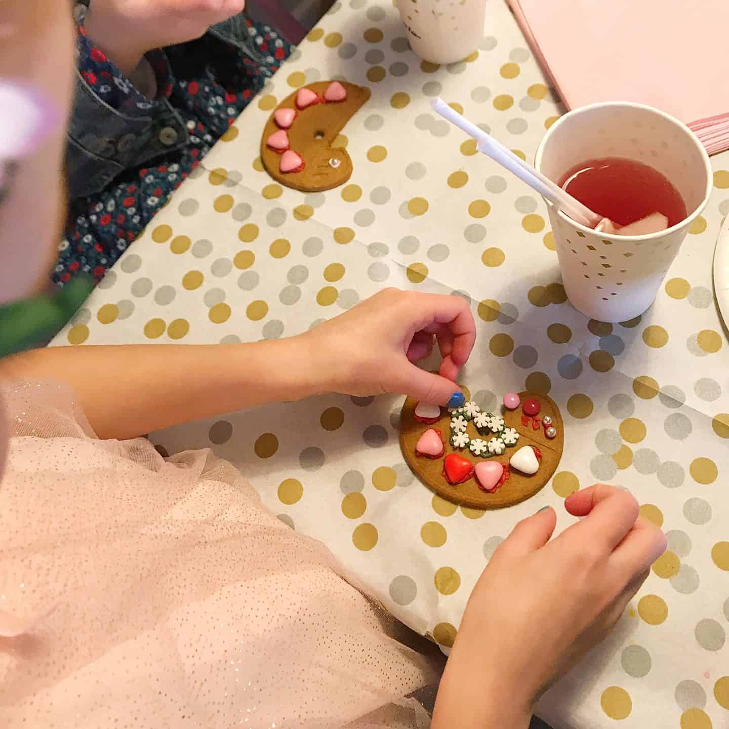 Biscuit decorating at a creative kids birthday party