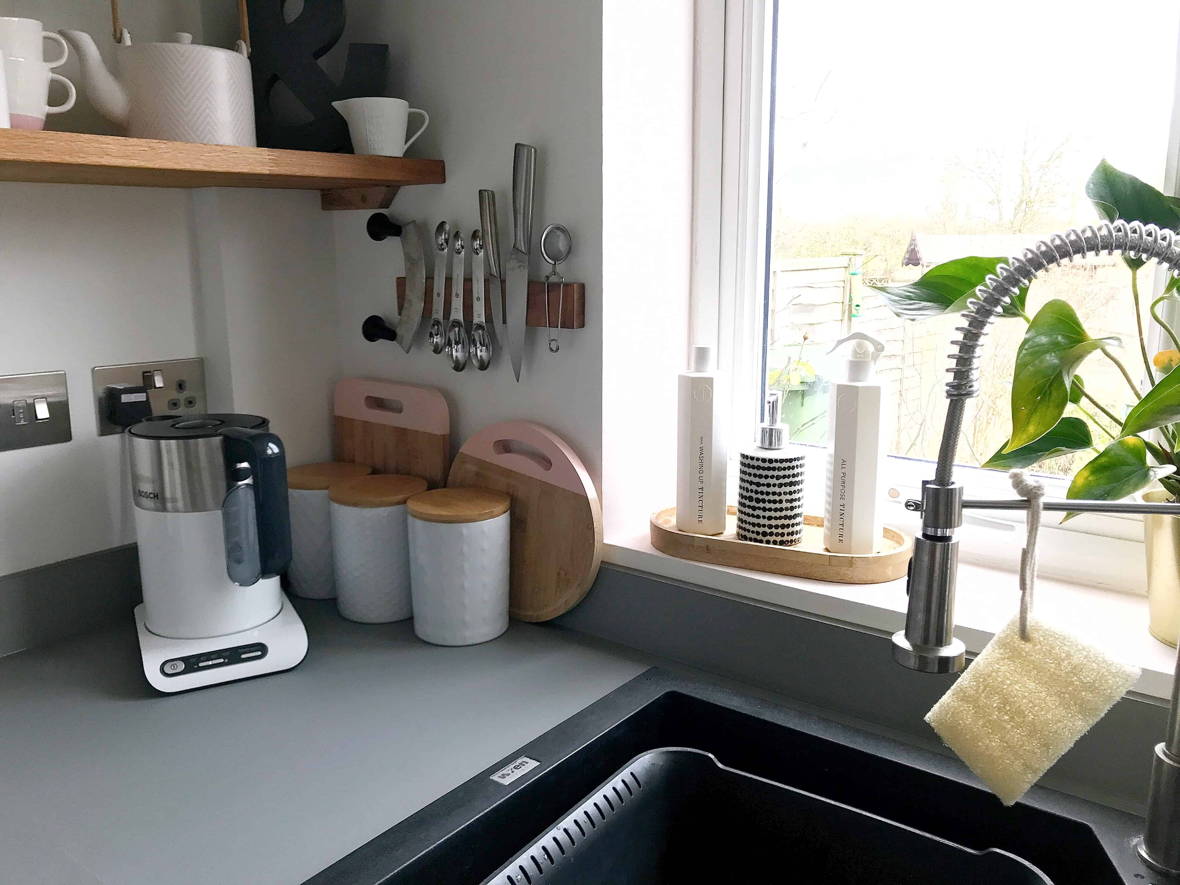 Creating a cleaner, healthier home with eco-friengly cleaning and laundry ideas