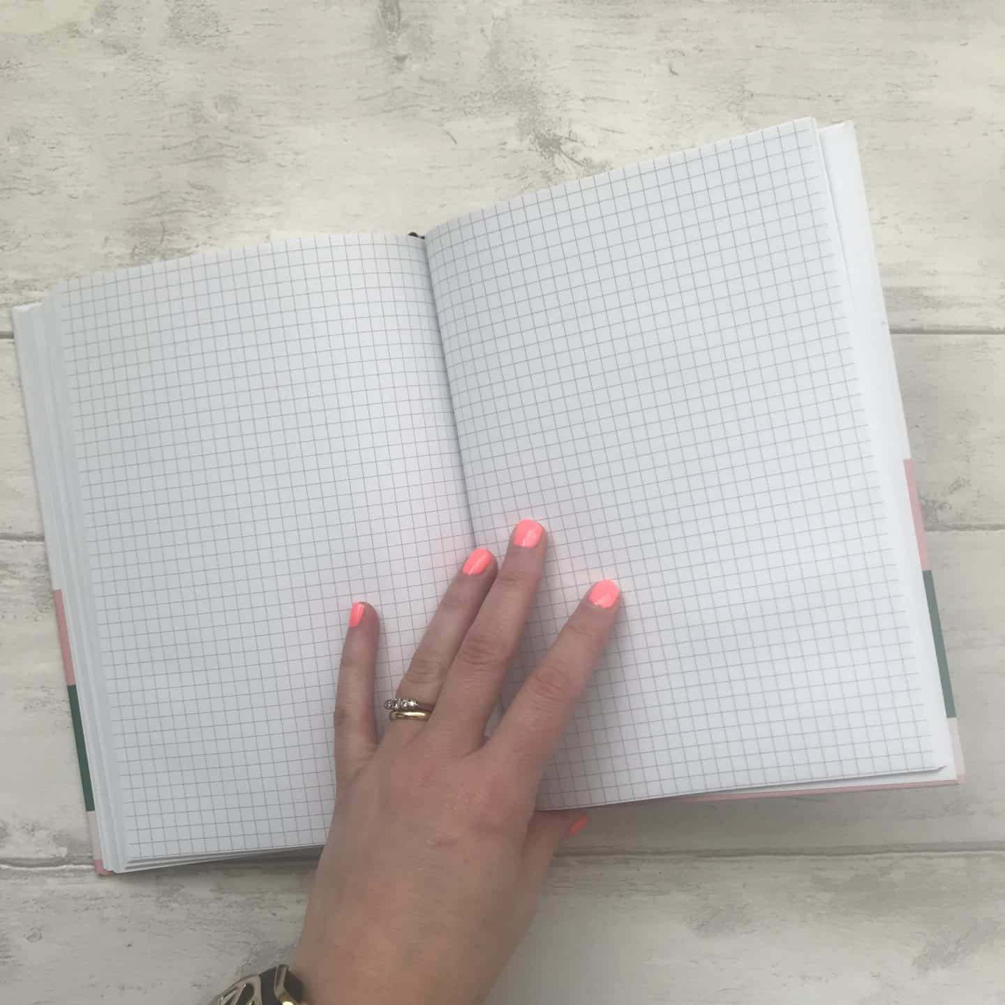 Papier diary gridded pages