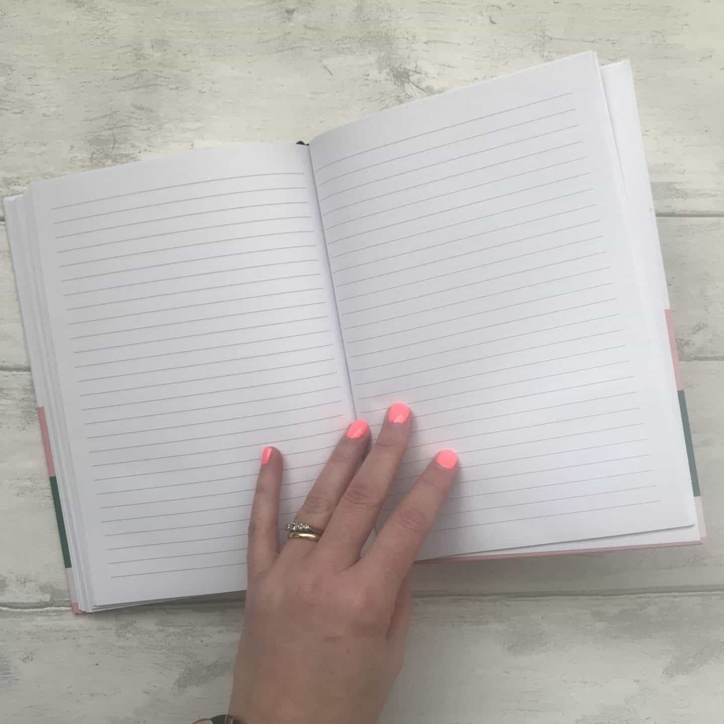 Papier diary lined pages