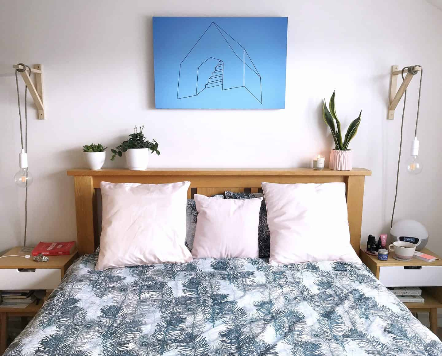 Deyoungs Peacock Printed Duvet set with pink scatter cushions