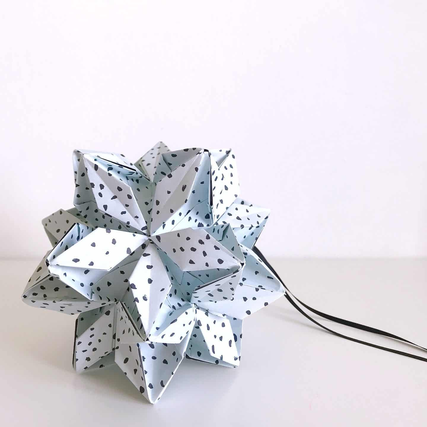Origami Est flower ball