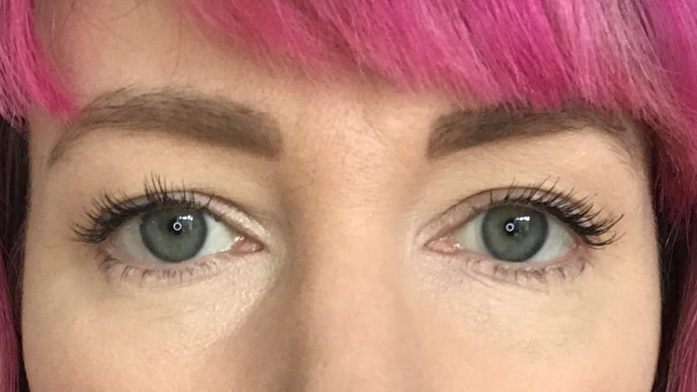 Wearing one coat of NATorigin Lengthening Mascara for Sensitive Eyes