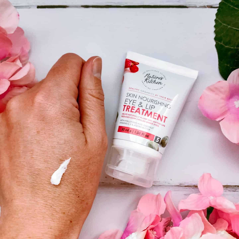 Nature's Kitchen Skin Nourishing Eye & Lip Treatment Swatch