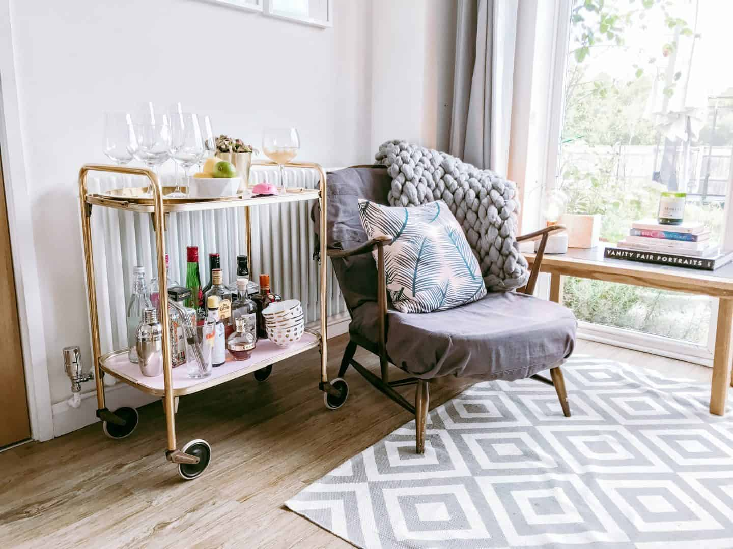 How to Turn a Tea Trolley into a Drinks Trolley Using Frenchic Paint