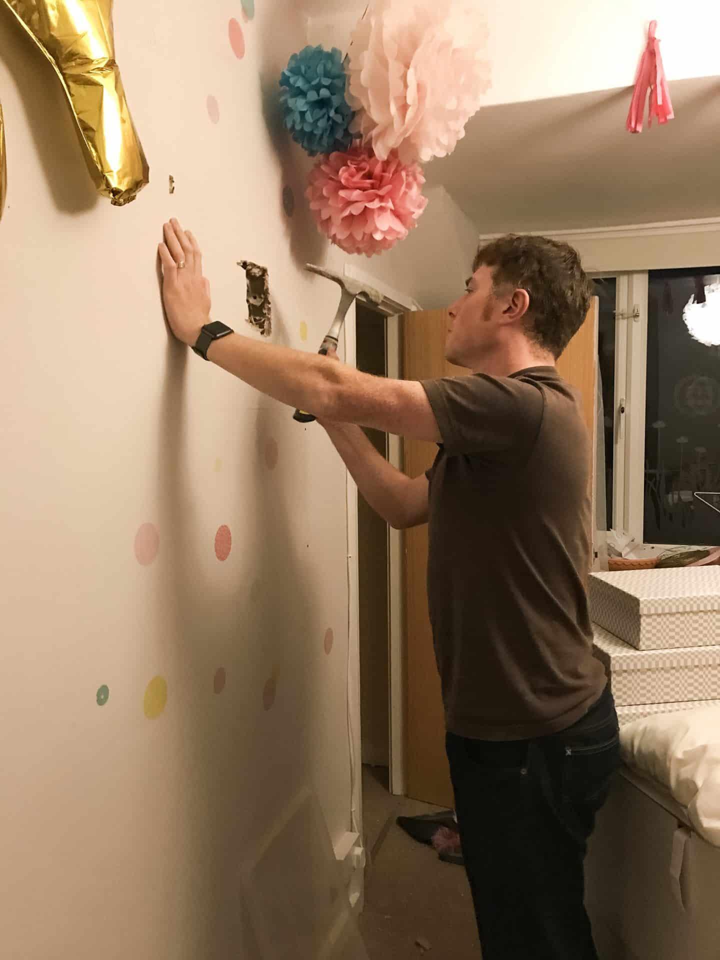 Making a window in a plasterboard wall