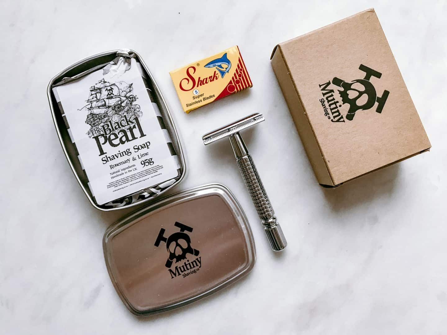 Mutiny Shaving safety razor and shaving soap
