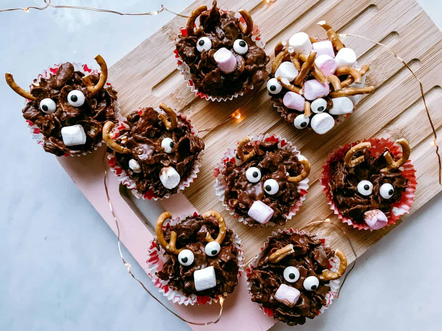 Really easy gooey and delicious no-bake chocolate cornflake reindeer cakes