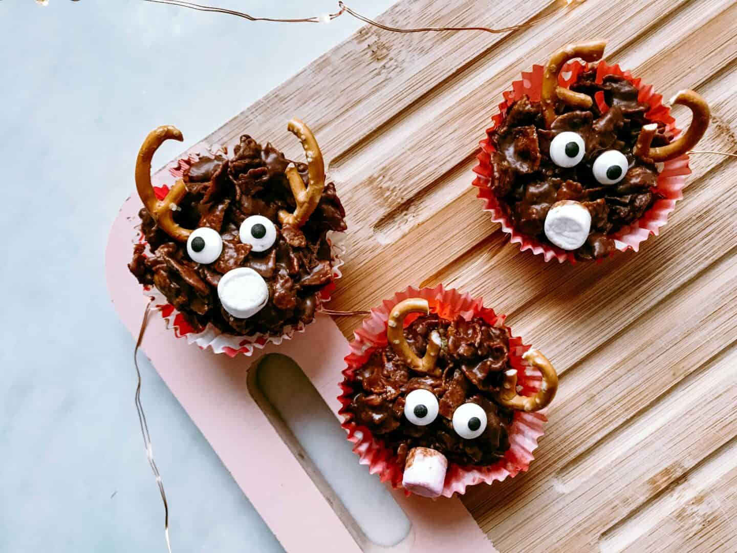 Recipe for really easy gooey and delicious no-bake reindeer chocolate cornflake cakes