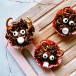 Easy No-Bake Reindeer Chocolate Cornflake Cakes